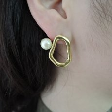 画像3: {SOLD}ADER.bijoux アデルビジュー COSMO2way pearl pierce{-AHA} (3)