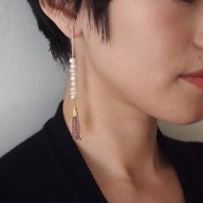 画像4: ADER.bijoux アデルビジュー BLOCK PEARL long asymmetry pierce{-AIA} (4)