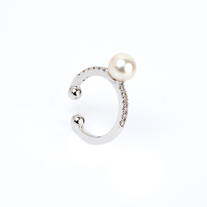 画像1: Hirotaka ヒロタカ Akoya Pearl Diamond Ear Cuff (WhiteGold){-AIA} (1)